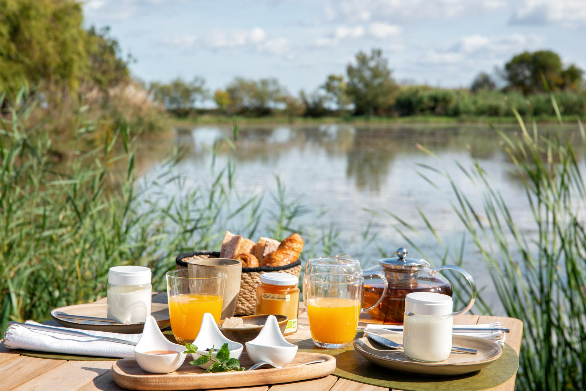 Petit déjeuner lac